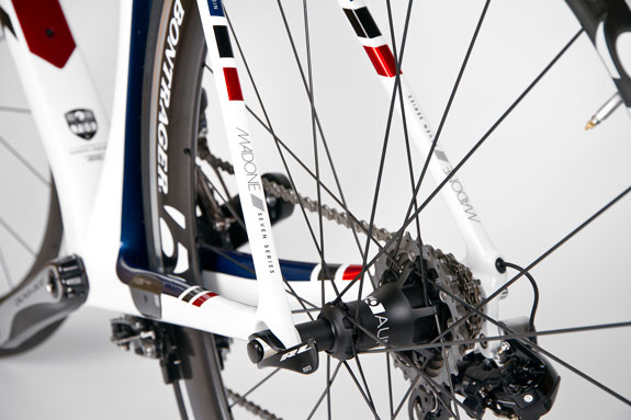 3-Trek_Madone_Detail_21