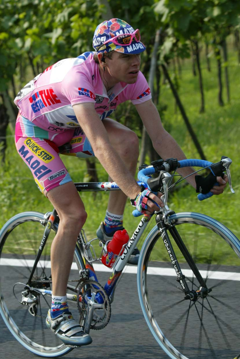Cadel Evans in his first Grand Tour, the Giro d'Italia of 2002 when he became the leader... for one day. Photo: Yuzuru Sunada