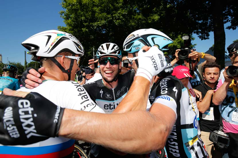 The celebrations begin... for a third time in the 2015 – another victory for Etixx-Quickstep but the first for Cavendish in the 102nd Tour. Photo: Yuzuru Sunada