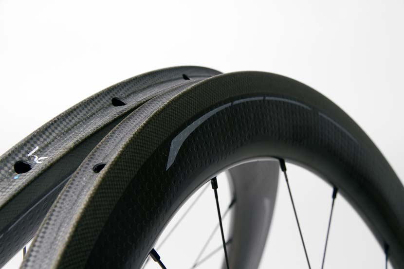 Zipp-Firestrike-404-Wheelset_Detail-03