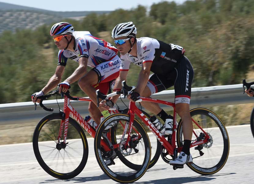 Markel Irizar on the Trek Domane with Shimano disc brakes in stage six of the 2015 Vuelta. Photo: courtesy Trek Factory Racing