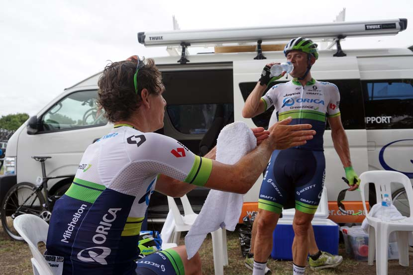 Daryl Impey explains his view of the sprint to Simon Gerrans shortly after the stage to Lyndoch.