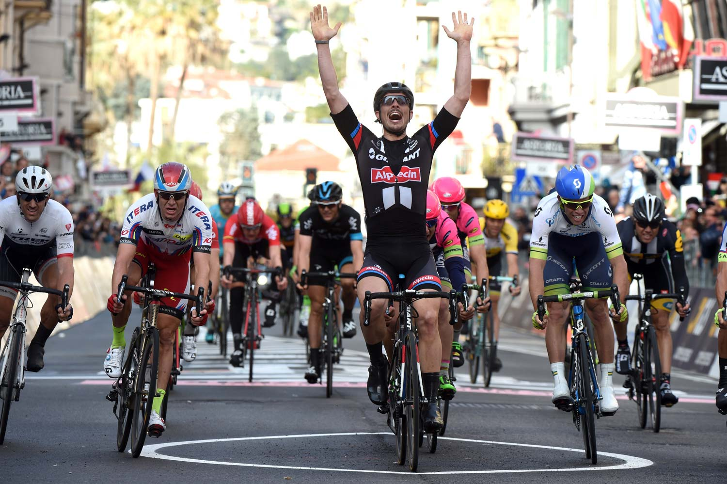 John Degenkolb takes the win in 2015 ahead of Michael Matthews.
