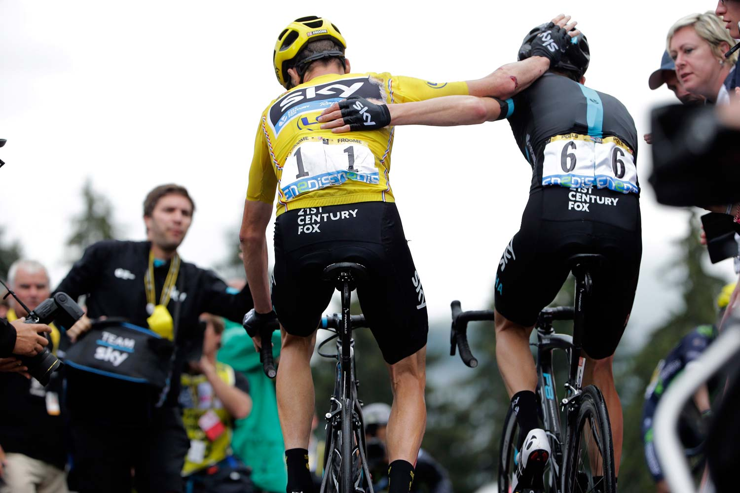Froome thanks Wout Poels for his assistance in the finale of stage 19. Photo: Graham Watson