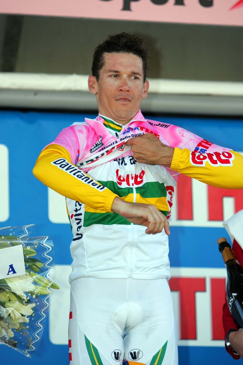 After winning stage two of the 2005 Giro, Robbie McEwen replaced his Australia champion's jersey with the maglia rosa... for just one day. Photo: Yuzuru Sunada