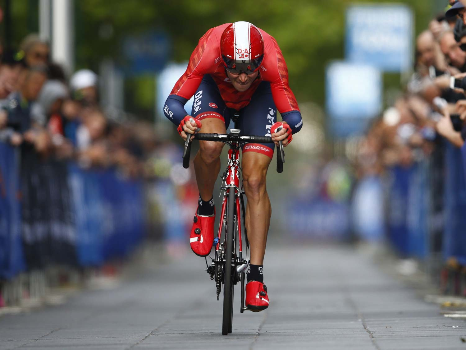 Will Clarke blasts his way to a second successive win in the prologue of the Jayco-Herald Sun Tour. Photo: Con Cronis