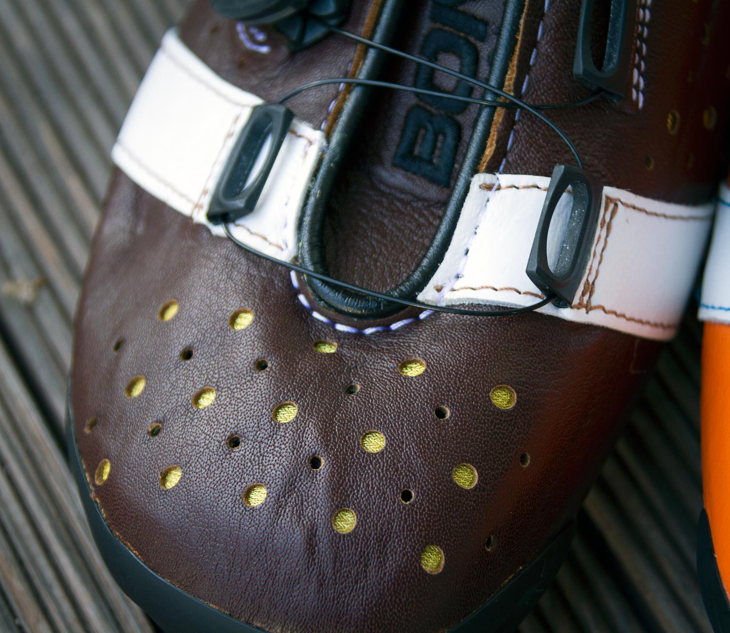bont-shoes-detail-02