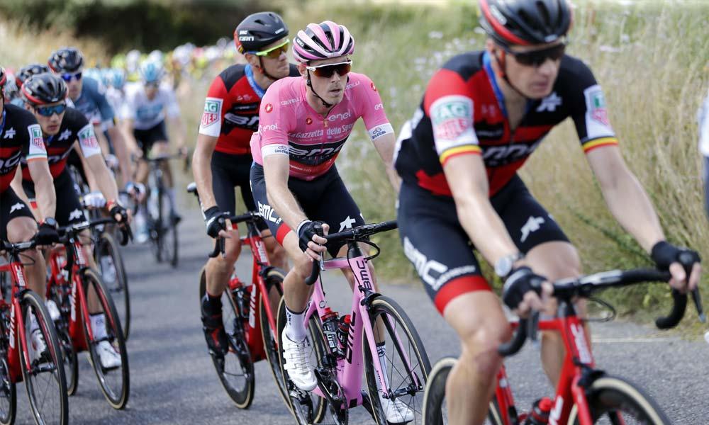 Rohan Dennis continues to lead the Giro d'Italia